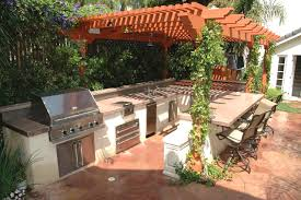Cheap Backyard Makeovers by Eight Backyard Makeovers From Diy Network S Yard Crashers Fancy