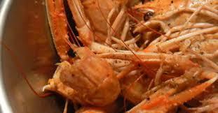 comment cuisiner les langoustines langoustines au court bouillon ma p tite cuisine