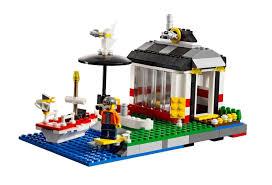 amazon com lego creator lighthouse island 5770 toys u0026 games