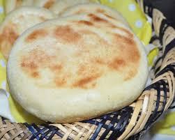 cuisine de choumicha recette de batbout batbout marocain cuit à la poêle les recettes de la
