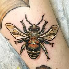 bee tattoo by oleg turyanskiy tattoonow