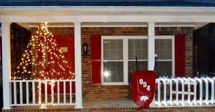 Christmas Fence Decorations Wire Fencing Turned Christmas Light Decor Hometalk