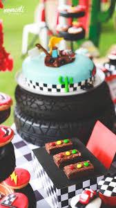 kara u0027s party ideas streetlight brownies cake from a disney cars