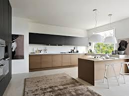 cuisine moderne et noir cuisine et bois moderne et élégante hoppen