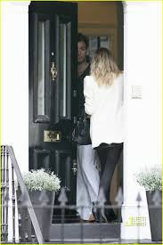 sienna miller leaves jude law u0027s place in london photo 2413675