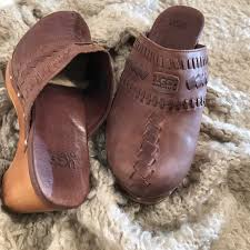 ugg boots sale houston 77 ugg shoes ugg 1952 brown studded leather clog size 6