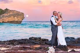 kauai photographers find a top wedding photographer on kauai hawaii