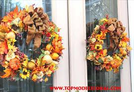 fall double door decorations kapan date