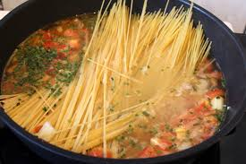 cuisiner les pates one pot pasta pour ceux qui aiment cuisiner