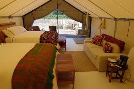 quieres acampar con glamour descubre qué es el glamping room5