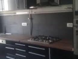 cuisine noir laqué plan de travail bois photo cuisine noir laque plan de travail bois par deco