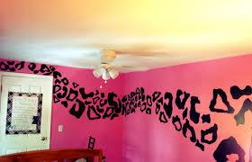 cheetah bedrooms pink and black room decor cheetah cheetah walls teenage bedrooms