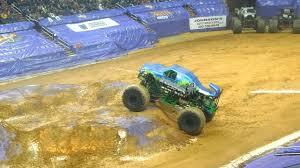 monster truck show verizon center monster jam washington d c 2015 wheelie contest youtube
