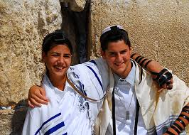 bat mitzvah in israel how bnei mitzvah around the world are taking the opportunity to