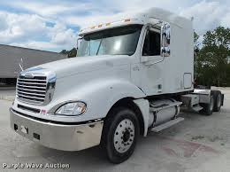 2004 freightliner columbia semi truck item k1142 sold o