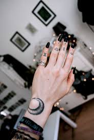 best 25 finger tattoos ideas on pinterest simple hand henna