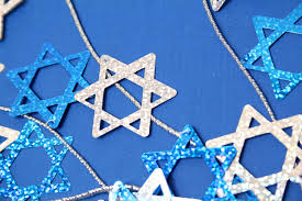 hannukkah decorations and affordable diy hanukkah decorations