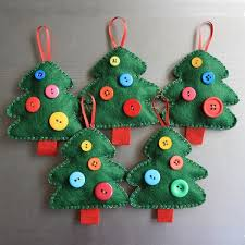 easy diy felt ornaments trees buttons