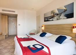 hotel chambre communicante vacances dans le var en bord de mer réservez une chambre familiale