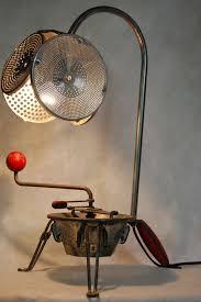 insecte de cuisine le détournée insecte réalisée à partir de vieux objets de cuisine