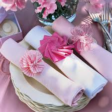 rond de serviette mariage des ronds de serviettes faits de rubans roses