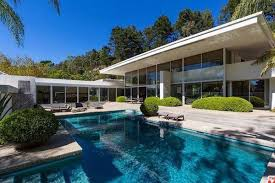 Building A Pool House Beverly Hills Residents Panicking Over Rumors Of A Pool Ban