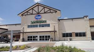 is kroger open on thanksgiving houston u0027s towne lake kroger aims to be a one stop shop houston