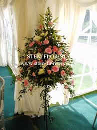 tall flowers or low arrangements wedding forum you u0026 your wedding