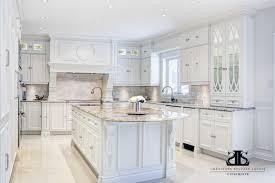 cuisine blanche classique cuisine classique blanche dã coration de maison contemporaine bois