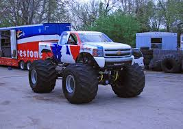 bigfoot monster truck driver 2010 bigfoot chevrolet silverado monster truck photo gallery