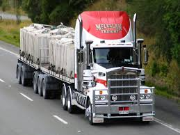 used kenworth trucks file mclellan freight kenworth truck sh1 near dunedin new zealand