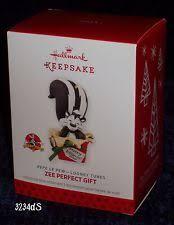 zee gift pepe le pew looney tunes 2013 hallmark ornament