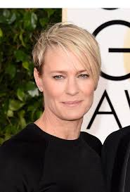house of cards robin wright hairstyle robin wright s golden globe awards look get her edgy bob