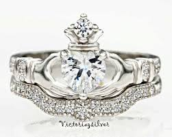 the claddagh ring the 25 best claddagh engagement ring ideas on