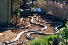 Making A Backyard Putting Green Kwik Kerb Landscape Borders And Concrete Edging Around Putting