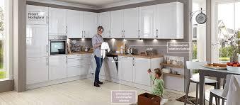 stauraum küche elegante einbauküche mit viel stauraum haus der küchen