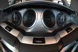 tyga bentley truck car stereo amp turns on and off by itself