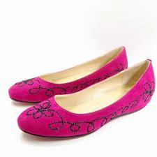 بكعب متوسط =لك احذية بناتى بدون كعب