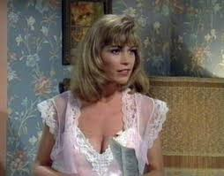 Married With Children Cast White As Coco In Married With Children