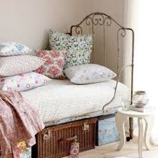 Girls Room I Used To Have This Bedding In High School Love - Vintage teenage bedroom ideas