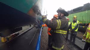 firefighters trained to respond to chlorine leaks king5 com