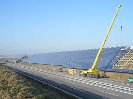 K Henm El Komplett Trumps Mauer Soll Sich Mit Sonnenenergie Selbst Finanzieren