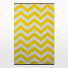 Zig Zag Outdoor Rug Zig Zag Outdoor Rug In Yellow White Cool Plastic Patterned Mat