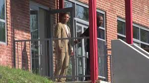 home confinement photos jesse jackson jr released from baltimore halfway house