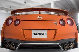 nissan finance motor corp nissan may win u s sales but biggest dealer doesn u0027t like how