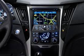 hyundai sonata hybrid reviews 2012 hyundai sonata hybrid car review autotrader