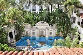 Home Design And Remodeling Show In Miami Versace Mansion Where Designer Was Murdered Now A Celeb Favorite Hotel