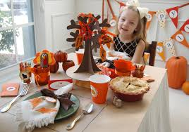 giving thanks a thanksgiving table frog prince paperie