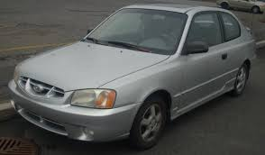 00 hyundai accent file 2000 02 hyundai accent hatchback jpg wikimedia commons
