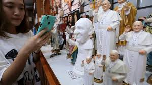 pope francis souvenirs global news pictures of pope francis in south korea